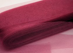crinoline burgund